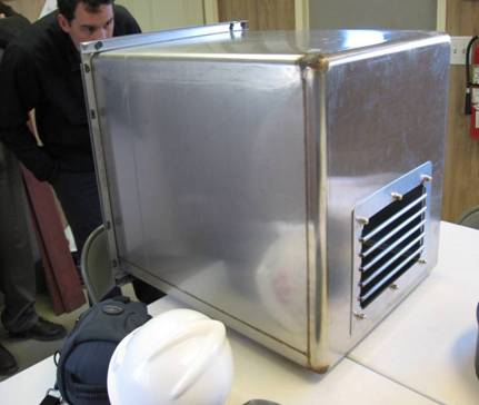 How to Ventilate a Cat Cage Insert Image